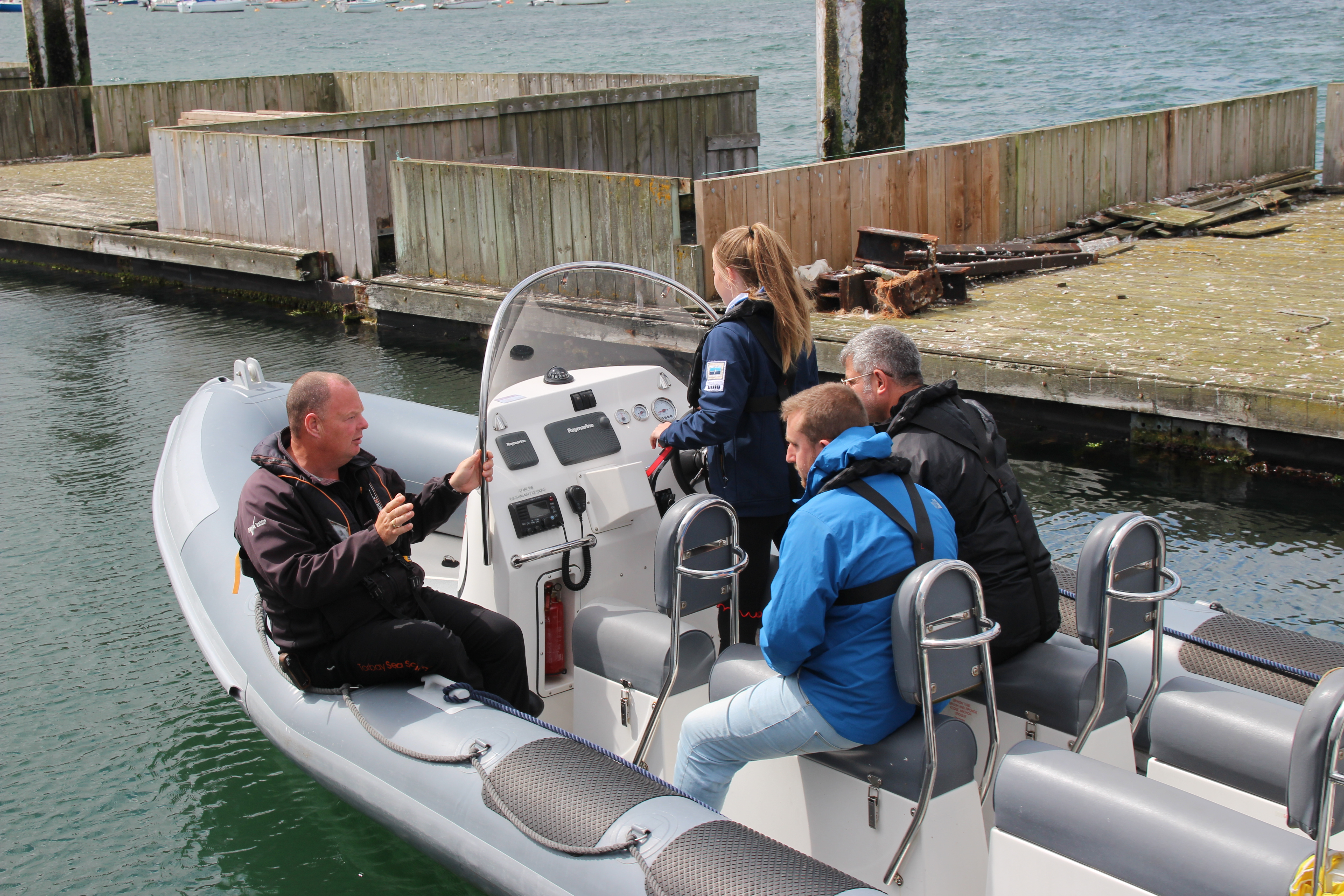 Spare Rib Powerboat Level 2 instructing in close quarters
